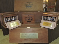 La Aurora Puro Vintage 2006 111 Aniversario Master Case PHOTO Credit William Cooper